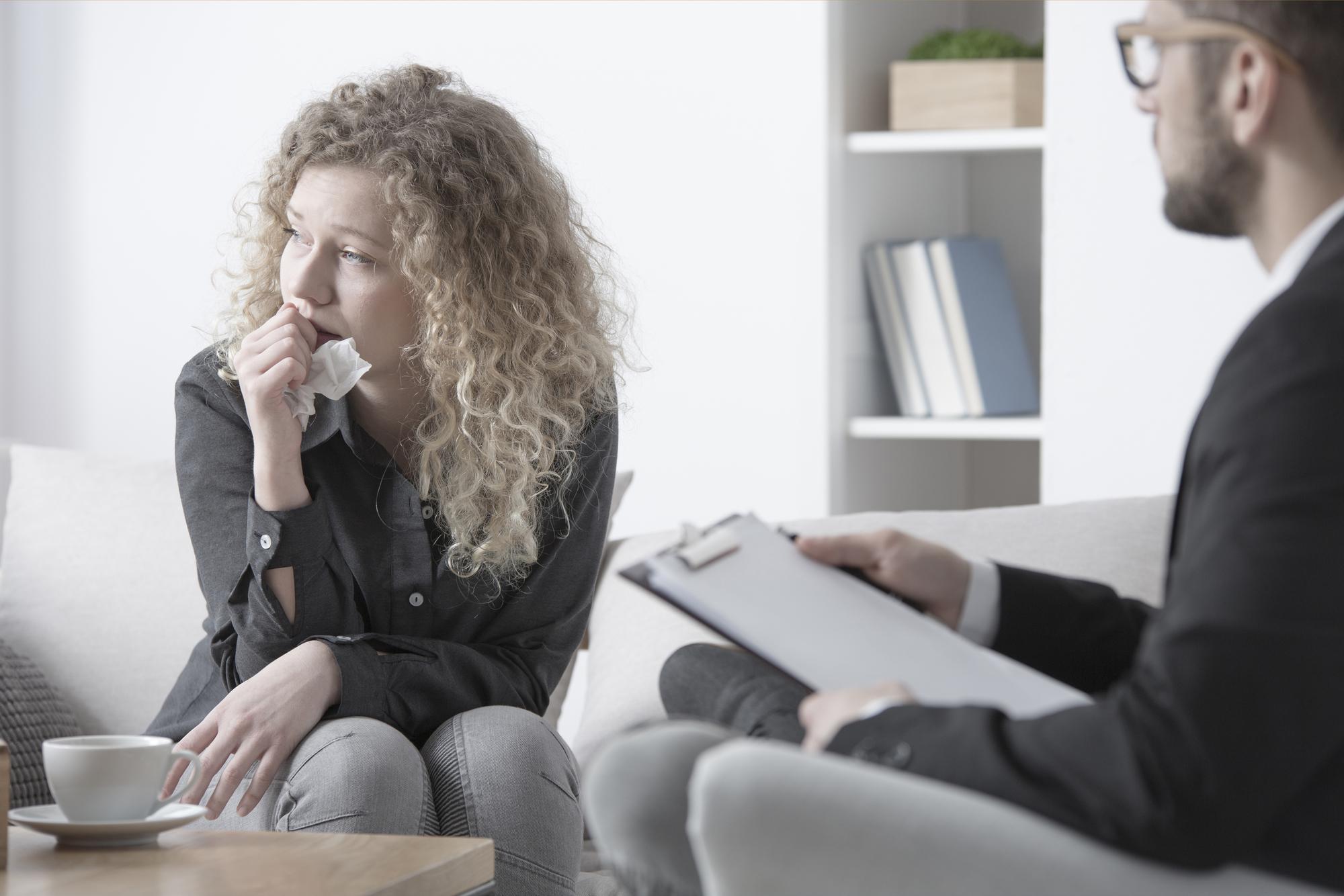 Kvinde hos psykolog